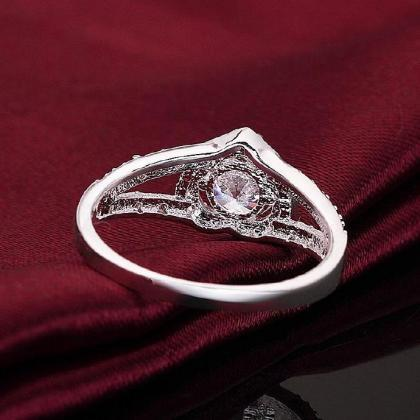 Silver Plated New Design Lady Ring ..